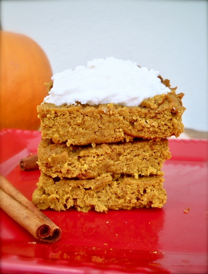 Grain-Free Pumpkin Pie Bars with Creamy Frosting | Spoonful of Sugar ...